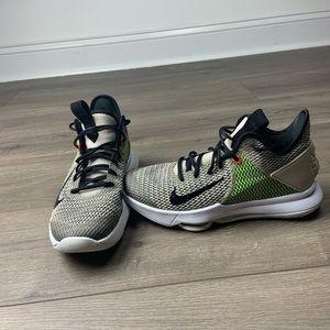 Nike LeBron Witness Iv!